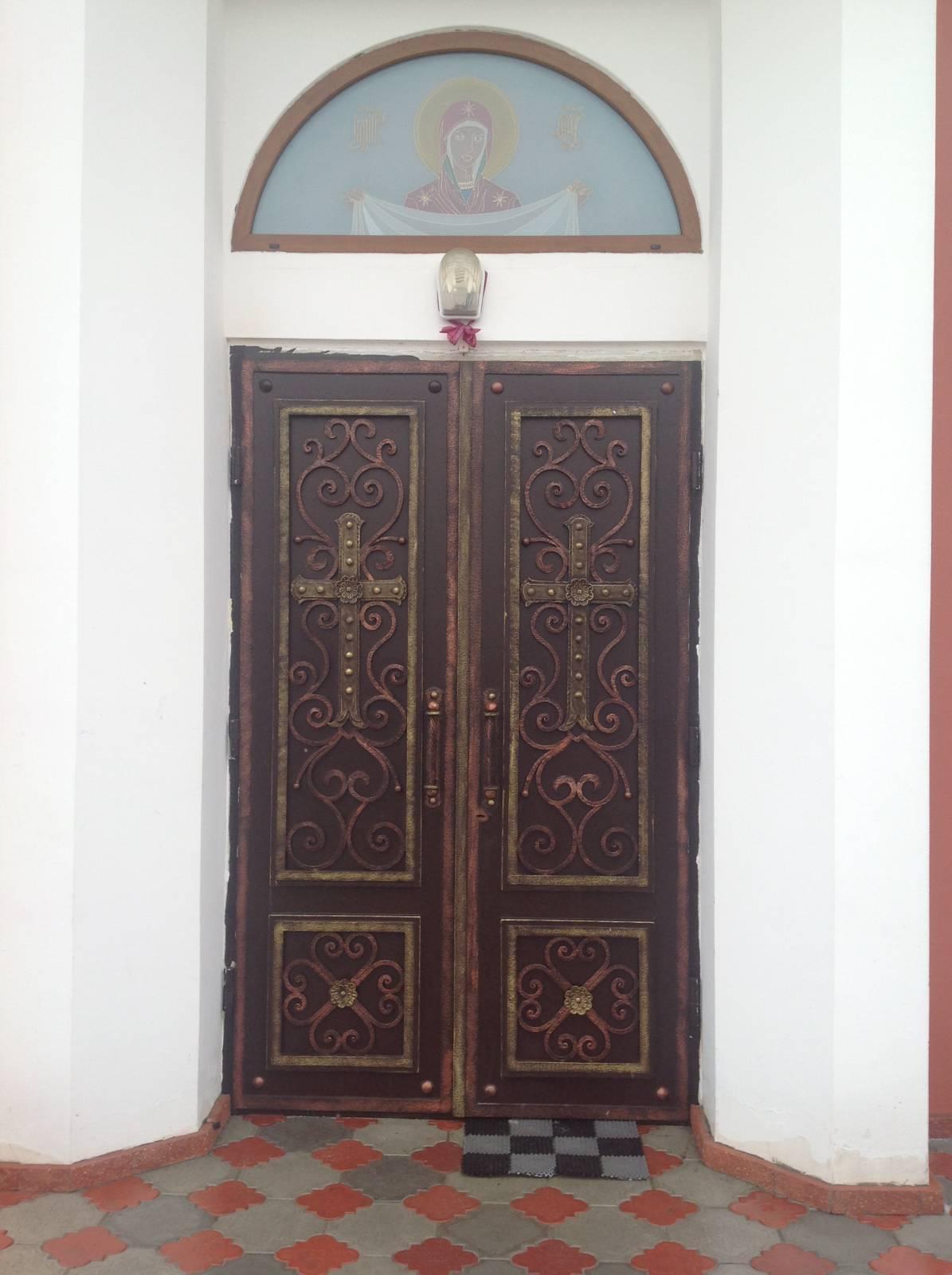 образцы элементов ковки на входные двери в храм